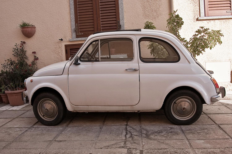 Fiat 500 in Palau, Sardinien